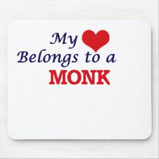 Mi corazón pertenece a un monje alfombrilla de ratón