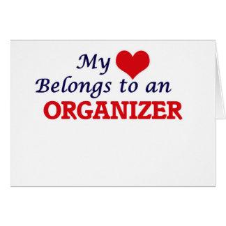 Mi corazón pertenece a un organizador tarjeta de felicitación