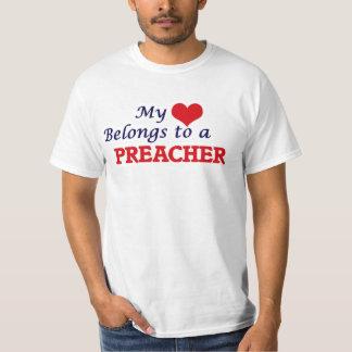 Mi corazón pertenece a un predicador camiseta