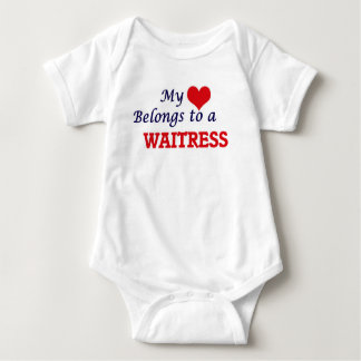 Mi corazón pertenece a una camarera body para bebé