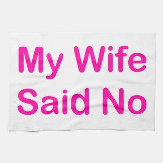 Mi esposa dijo no en una fuente de las rosas toalla
