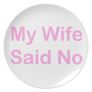 Mi esposa dijo no en una fuente de los rosas bebés plato