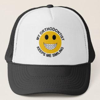 Mi Orthodontist me guarda gorra sonriente de los