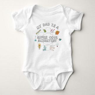 Mi papá es científico fresco estupendo (el bebé) body para bebé