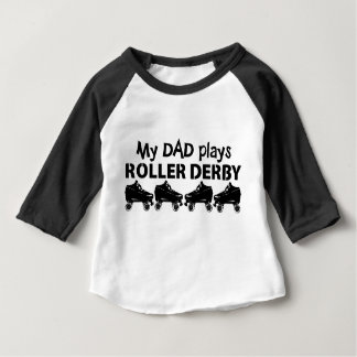 Mi papá juega el rodillo Derby, patinaje sobre Camiseta De Bebé