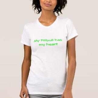 Mi Pitbull tiene mi corazón Camisetas