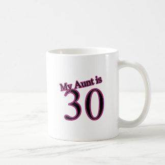 Mi tía es 30 taza de café