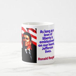 Mientras un amor de la libertad - Ronald Reagan Taza De Café