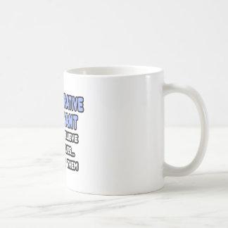 Milagros y ayudantes administrativos taza de café