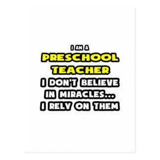 Milagros y profesores preescolares… divertidos postal