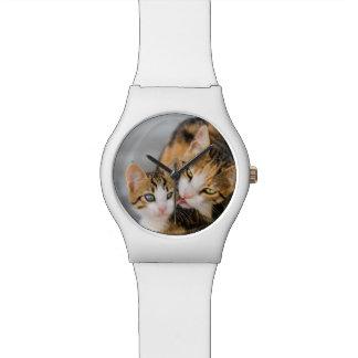 Mime a la foto linda del gatito de los amores del reloj de pulsera