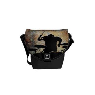 Mini bolso del batería, Copyright Karen J Williams Bolsas De Mensajería