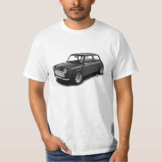 Mini coche del carbón de leña clásico en la camiseta
