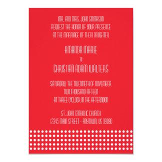 Mini lunares que casan las invitaciones (rojas) invitación 12,7 x 17,8 cm