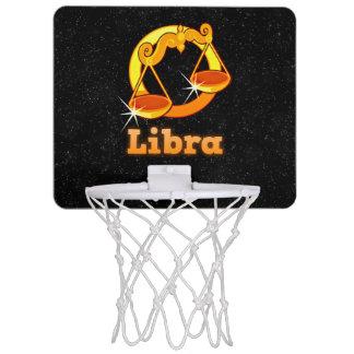 Minicanasta De Baloncesto Ejemplo del libra