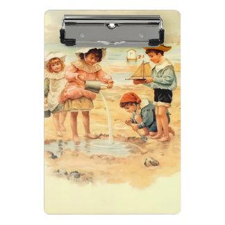 Minicarpeta De Pinza Arena del Victorian del vintage de los niños de la