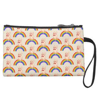 Miniclutch De Ante Frenchie celebra mes del orgullo en el arco iris
