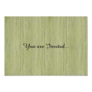Mirada de bambú natural en verde de musgo invitación personalizada