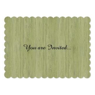 Mirada de bambú natural en verde de musgo invitación 12,7 x 17,8 cm