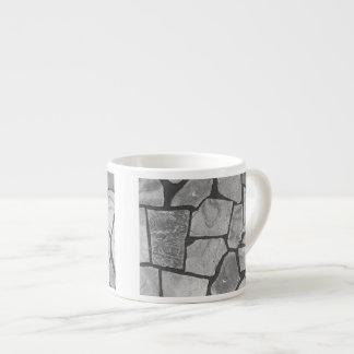 Mirada de pavimentación de piedra gris decorativa taza espresso