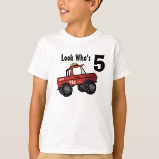 Mirada del monster truck que es camión de 5 rojos camiseta