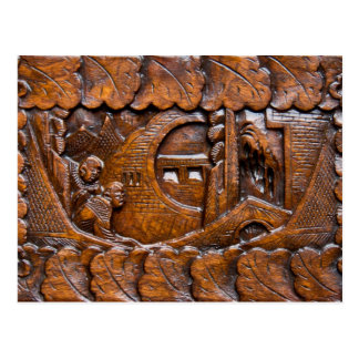 Mirada oriental de madera tallada postales