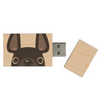Mirando a escondidas memoria USB del arce del dogo