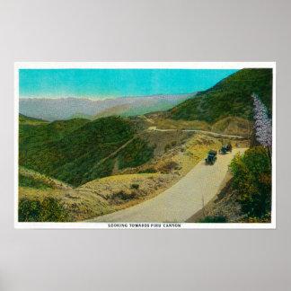 Mirando hacia la ruta de Piru CanyonRidge, CA Posters