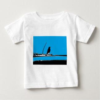 Mirlo con la antena en la turquesa camiseta