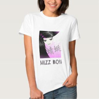 Mizz Boss w/woman y letras chinas (libélula) Camisetas