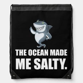 Mochila El océano me hizo el tiburón salado