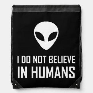 Mochila Los extranjeros no creen en seres humanos