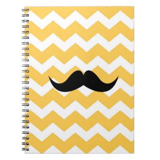 Moda amarilla del bigote del negro del modelo de z libro de apuntes con espiral