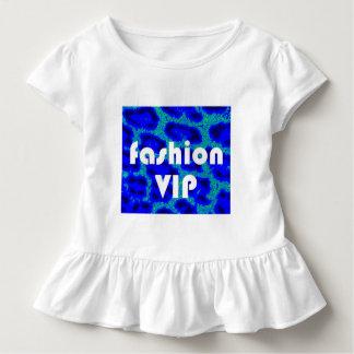 Moda VIP en camiseta azul del volante del fondo