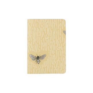 Modelo a mano elegante hermoso de la abeja porta pasaportes