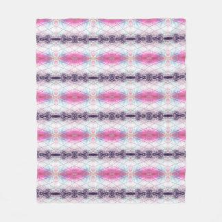 Modelo abstracto rosado, blanco, púrpura y azul manta polar