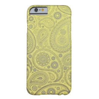Modelo amarillo de Paisley de la tela Funda Para iPhone 6 Barely There