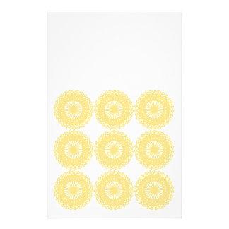 Modelo amarillo del diseño del cordón folleto 14 x 21,6 cm