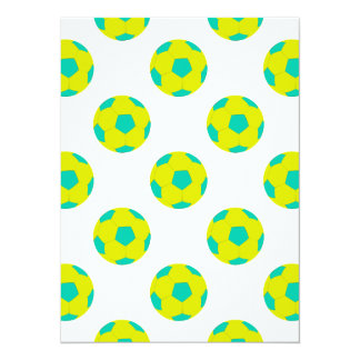 Modelo amarillo y azul claro del balón de fútbol invitación 13,9 x 19,0 cm