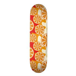 Modelo anaranjado monopatín personalizado