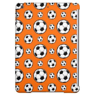 Modelo anaranjado y blanco del balón de fútbol