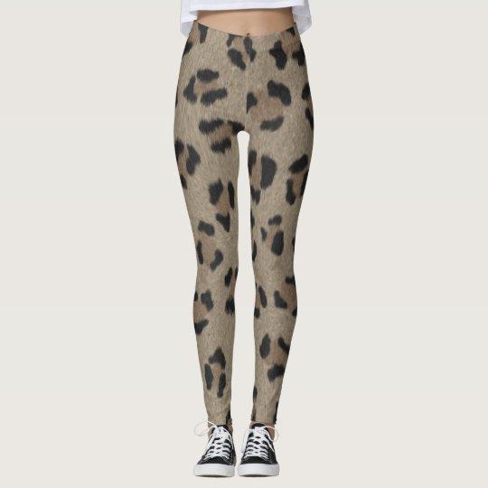 Modelo animal leggings