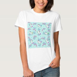 Modelo azul del arco iris y de los unicornios camiseta