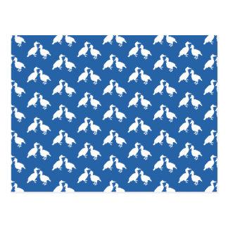 Modelo azul y blanco de pájaros postal