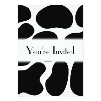 Modelo blanco y negro de la impresión de la vaca invitación 12,7 x 17,8 cm