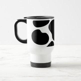 Modelo blanco y negro de la impresión de la vaca taza de viaje
