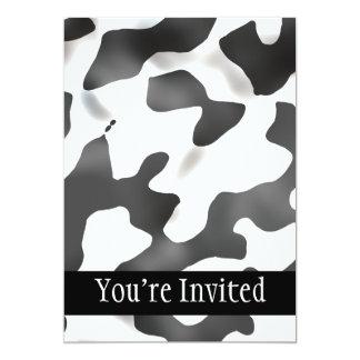 Modelo blanco y negro de la vaca del país invitación 12,7 x 17,8 cm
