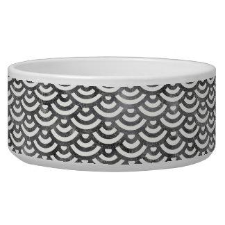 Modelo blanco y negro del pastel de la sirena comedero para mascota
