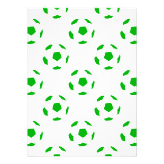 Modelo blanco y verde del balón de fútbol invitacion personalizada