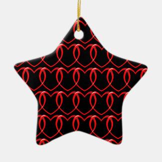Modelo de cadena de los corazones rojos adorno navideño de cerámica en forma de estrella
